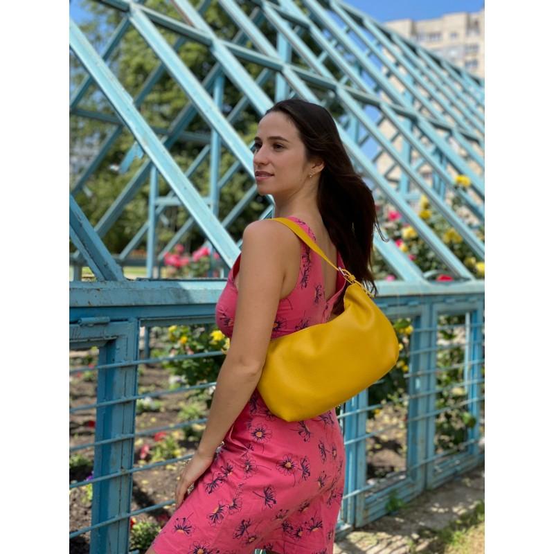 Женская кожаная сумка хобо Monica желтая - 3 фото
