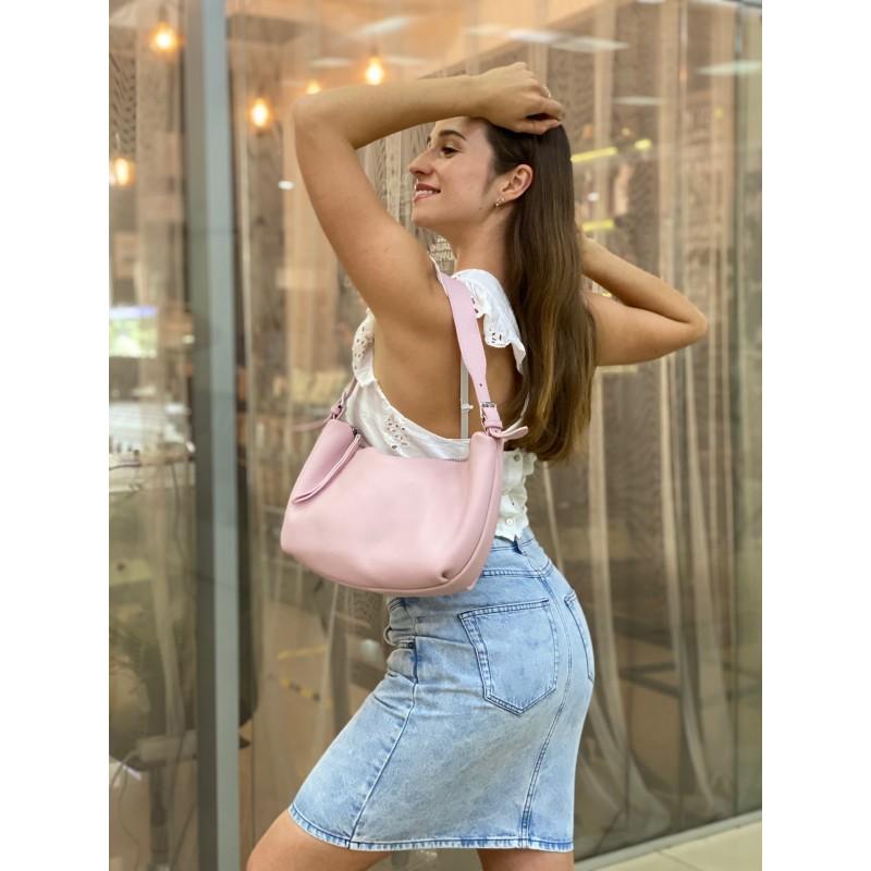 Женская кожаная сумка хобо Monica розовая пудра - 5 фото