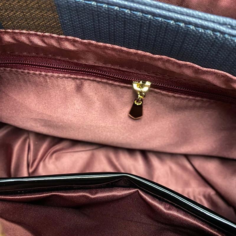 Женская классическая сумка Grace синяя с красными ручками - 12 фото